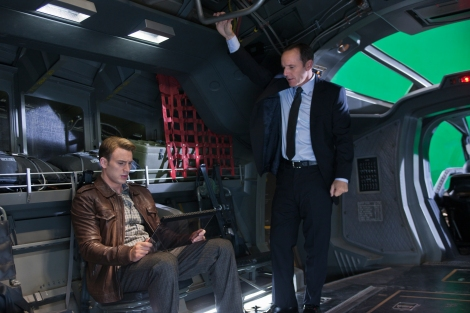 Clark-Gregg-Chris-Evans-The-Avengers-movie-image