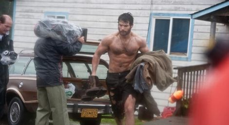 Henry-Cavill-on-Superman-Set-Ripped-and-Ready-for-Action