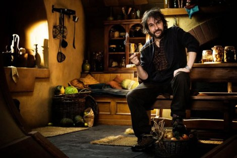 hobbit-begins-peter-jackson-pipe[1]