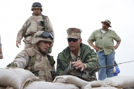 SgtMaj Dever teaching Jake how to use the radio on Jarhead